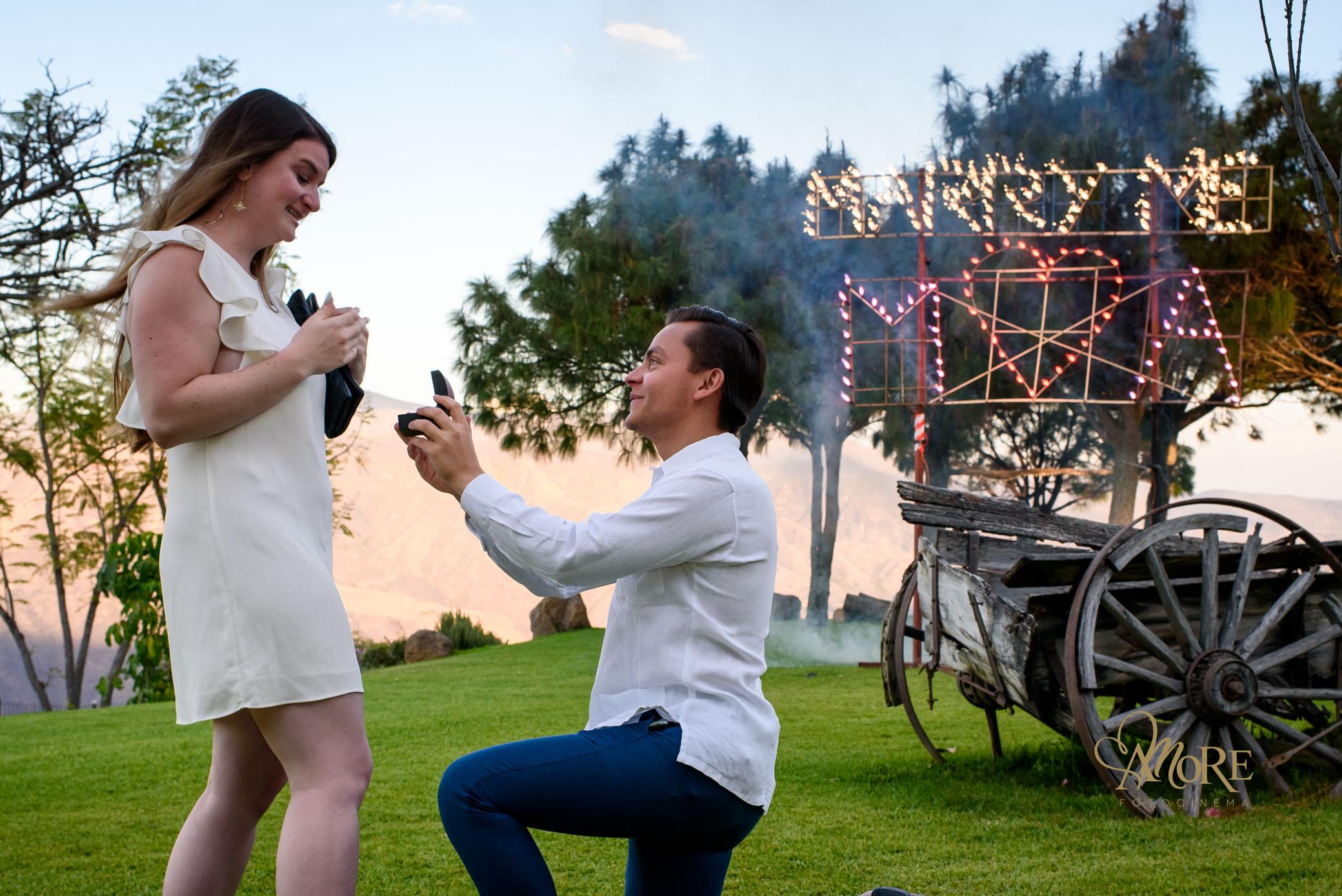 Fotografia y video en la entrega de anillo de compromiso en Guadalajara