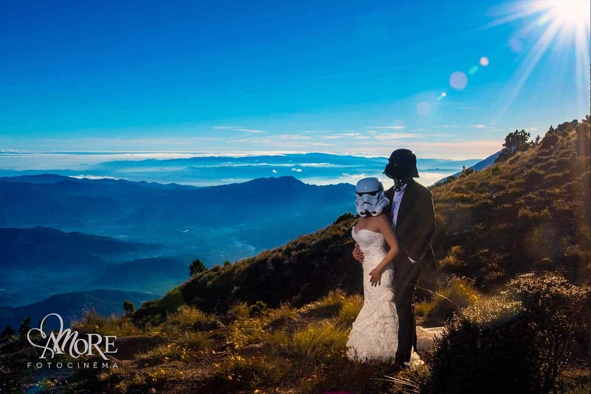 ideas muy originales para las fotos con tu vestido de novia después de la boda